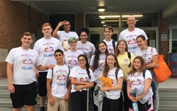 Valhalla students before leaving for Colombia